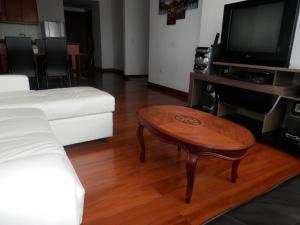 Maycris Apartment El Bosque, Apartmanok  Quito - big - 56