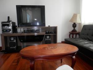 Maycris Apartment El Bosque, Apartmanok  Quito - big - 59