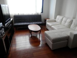 Maycris Apartment El Bosque, Apartmanok  Quito - big - 61