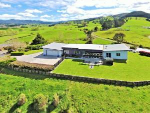 Birds Eye View Bed and Breakfast - Accommodation - Waihi