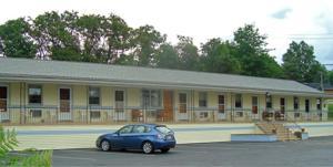 Budget Host Inn Pottstown - Accommodation - New Berlinville