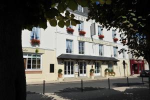 Logis Hotel Beaudon, Hotely  Pierrefonds - big - 1