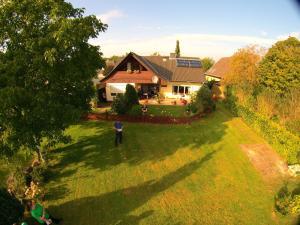 Hoernchens-Ferienwohnung, Apartmanok  Neuenkirchen - big - 8