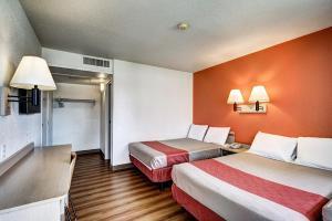 Motel 6 Wells, Отели  Wells - big - 42
