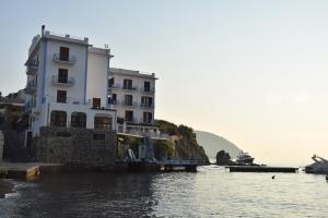Hotel Rocce Azzurre - AbcAlberghi.com