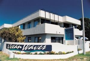 obrázek - Ocean Waves Beachfront Motel