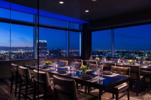 JW Marriott Los Angeles L.A. LIVE (7 of 55)