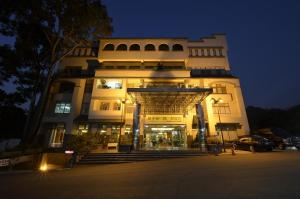 Auberges de jeunesse - Toong Mao Spa Resort Guanziling
