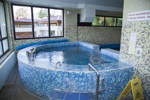 Family Hotel Emaly 2, Hotels  Saparewa Banja - big - 34