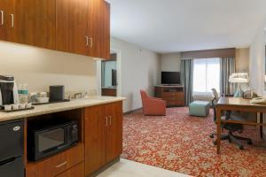Hilton Garden Inn Nanuet, Отели  Нанует - big - 28