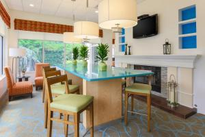 Hilton Garden Inn Nanuet, Отели  Нанует - big - 27