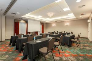 Hilton Garden Inn Nanuet, Отели  Нанует - big - 23