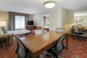 Hilton Garden Inn Nanuet, Отели  Нанует - big - 16
