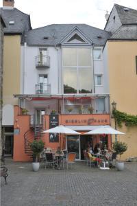 Rieslinghaus - Weinhaus Porn - Bernkastel-Kues