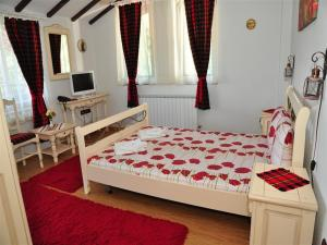 Family Hotel Emaly 2, Hotels  Saparewa Banja - big - 51