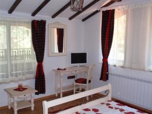 Family Hotel Emaly 2, Hotels  Saparewa Banja - big - 18