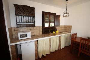 Apartamento Rural Las Palmeras, Country houses  Almonaster la Real - big - 3
