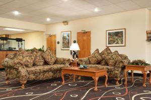 Travelodge Sturgis- Michigan, Motels  Sturgis - big - 25