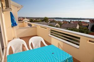 Apartments Bella, Ferienwohnungen  Novalja - big - 4
