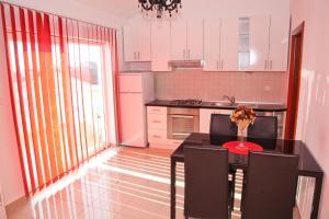 Apartments Bella, Ferienwohnungen  Novalja - big - 15