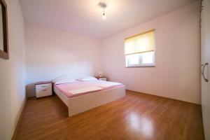 Apartments Bella, Ferienwohnungen  Novalja - big - 30