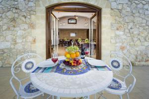 Villa delle Anfore, Guest houses  Scopello - big - 84