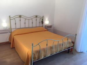 Pupi Catania Etna B&B, Bed & Breakfast  Aci Castello - big - 5