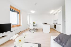 AZ Tower Apartments - Hotel - Brno