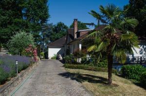 Location gîte, chambres d'hotes La Demeure des Tilleuls dans le département Haut de seine 92