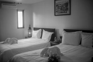 Queen Room with Two Queen Beds Hotel La Estacion
