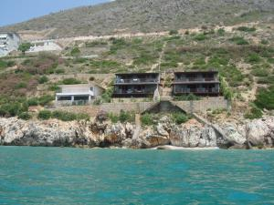 Seaside Duplex Stone Villa - Qeparo