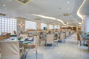 Hotel Le Palme - Premier Resort, Отели  Морской Милан - big - 42