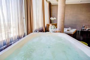 Hotel Le Palme - Premier Resort, Отели  Морской Милан - big - 45