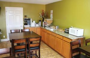 Americas Best Value Inn San Antonio - AT&T Center/Fort Sam Houston, Motely  San Antonio - big - 15