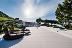 Capofaro Locanda & Malvasia, Hotels  Malfa - big - 37