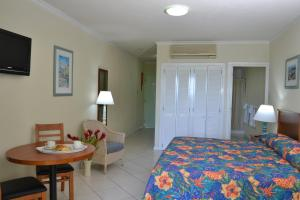 Deluxe Studio Blue Orchids Beach Hotel