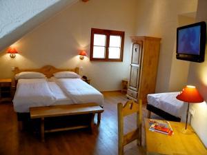Inter-Hotel Colmar Sud La Ferme du Pape - Hostellerie