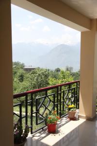 Malis Apple Lodge, Bed & Breakfasts  Nagar - big - 27