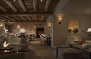 Rosewood Inn of the Anasazi (27 of 32)