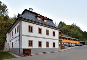 3 star pensiune Penzión Banský dom Banská Štiavnica Slovacia