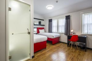 Tune Hotel Liverpool, Hotels  Liverpool - big - 21