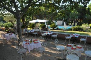 Bastide de l'Avelan, Отели типа «постель и завтрак»  Гримо - big - 49