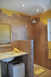 Bastide de l'Avelan, Отели типа «постель и завтрак»  Гримо - big - 7