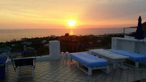 Villa Ravino Aparthotel, Apartmanhotelek  Ischia - big - 128