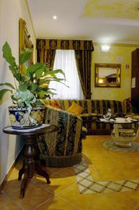 Hotel Squarciarelli - AbcAlberghi.com