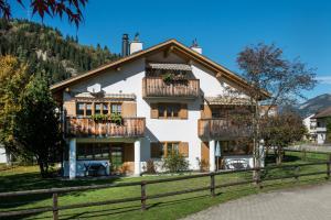 Ferienwohnungen Muntschi - Apartment - Andeer