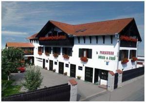 Hostels und Jugendherbergen - Pensiunea Doina & Jenő