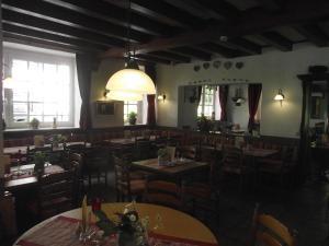 Hotel Elfenmühle, Penzióny  Bad Bertrich - big - 58