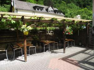 Hotel Elfenmühle, Penzióny  Bad Bertrich - big - 63