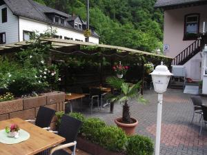 Hotel Elfenmühle, Penzióny  Bad Bertrich - big - 64
